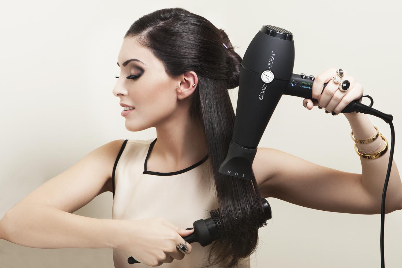 Hvordan føntørrer man håret uden at skade det?